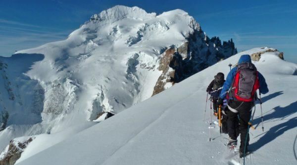 Débuter l'alpinisme dans les écrins par exemple avec la Roche Faurio par la voie normale à 3765 mètre