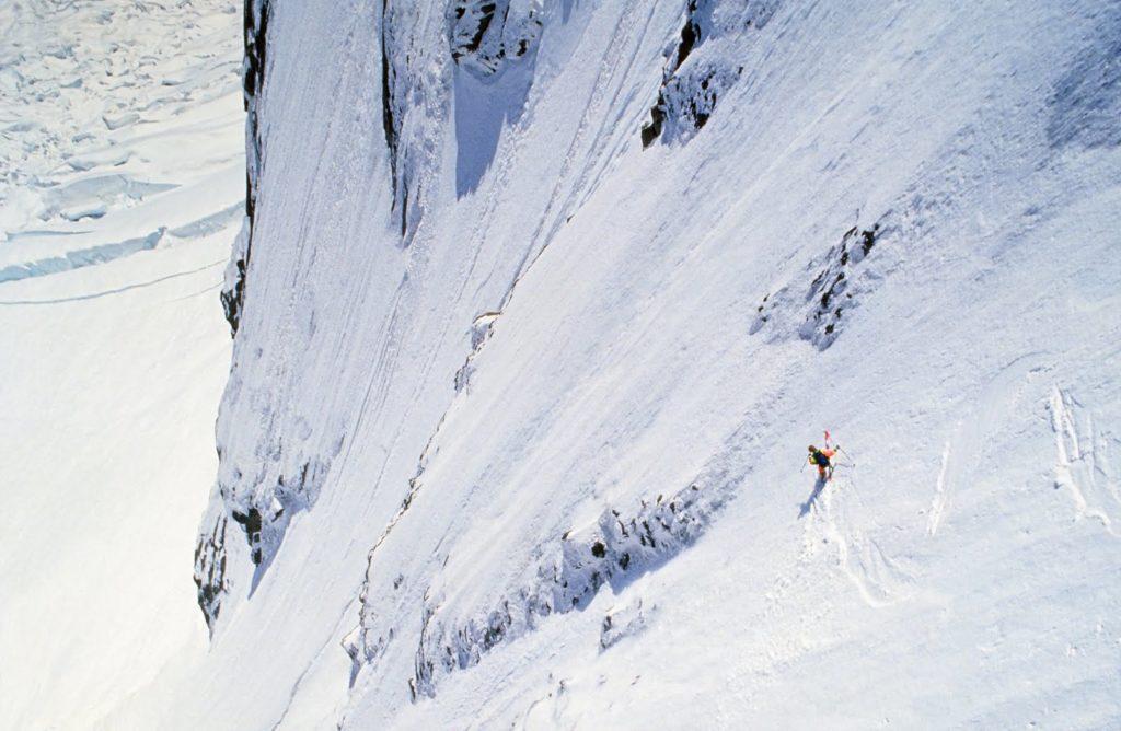 Ski extrême : Pierre Tardivel dans la Voie Bonatti-Zapelli au Grand Pilier d'Angle