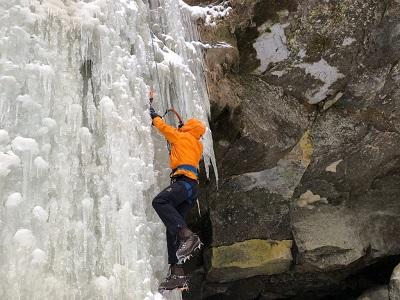 La vallée de Sounkyo offre une grande variété de défis d'escalade sur glace.