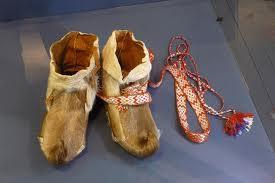 Chaussures de ski sami au Musée de l'Arctique en Norvège