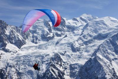 Survol de la vallée de Chamonix en parapente