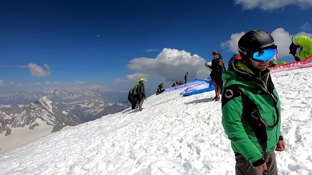 L'équipe au sommet du Mont Blanc, 4810m.